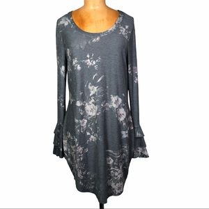 Chaser bell sleeve Boho floral tunic dress